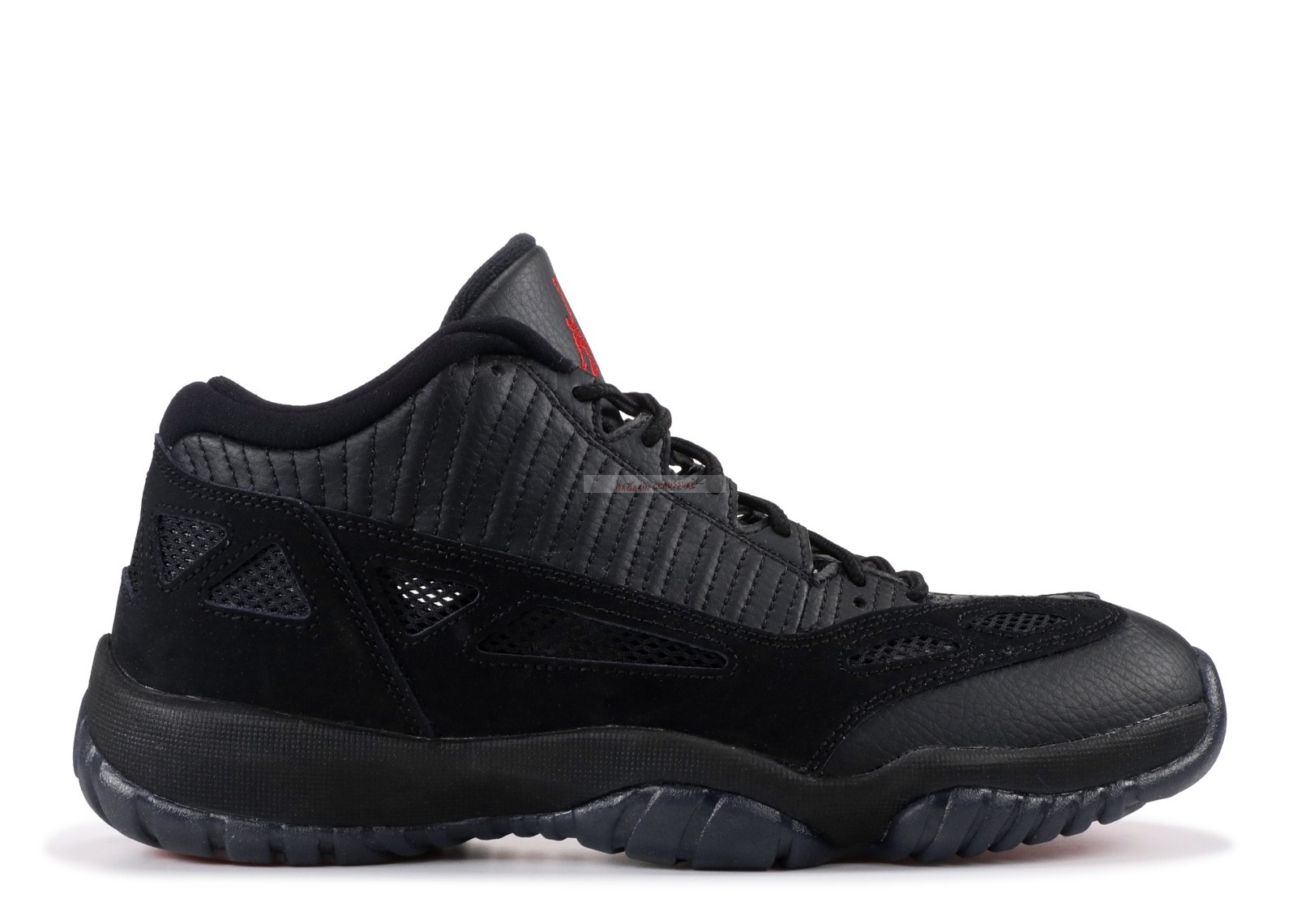 "Air Jordan 11 Retro Low ""Referee"" Noir (306008-003) Chaussure de Basket"