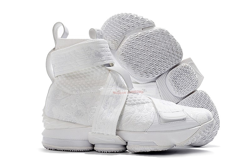 "Kith X Nike Lebron Xv 15 Strap ""Long Live The King"" Blanc (ao1068-103) Chaussure de Basket"
