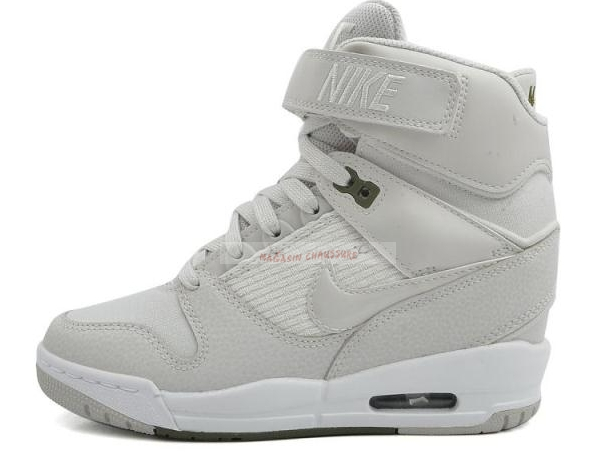 Nike Air Revolution Sky - Femme High Wedge Sneakers Gris Blanc Chaussure de Basket