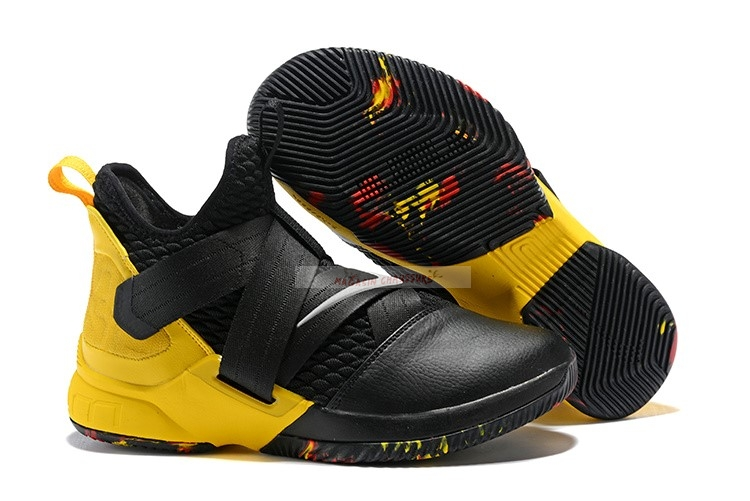 Nike Lebron Soldier Xii 12 Blac Yellow Chaussure de Basket