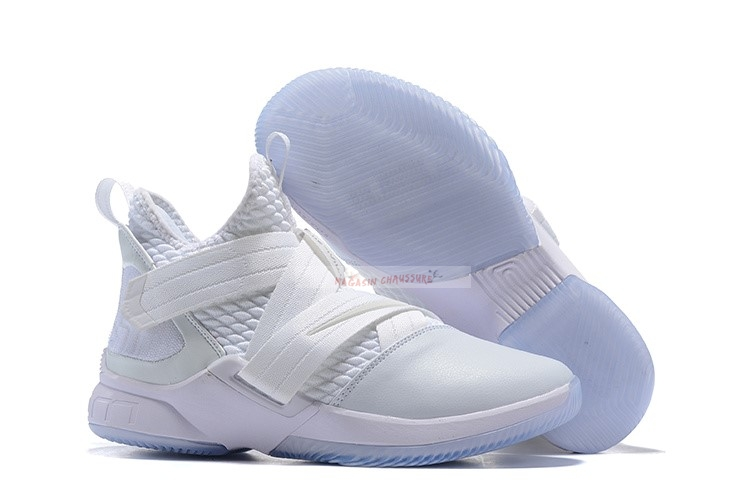 Nike Lebron Soldier Xii 12 Blanc Chaussure de Basket