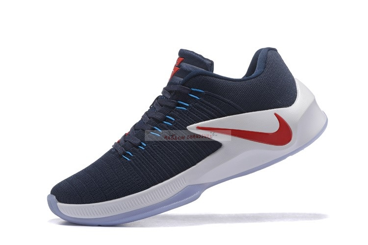 Nike Zoom Clear Out Low Marine Rouge Chaussure de Basket