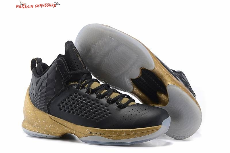 Air Jordan Carmelo Anthony 11 - Homme Noir Or Chaussure de Basket